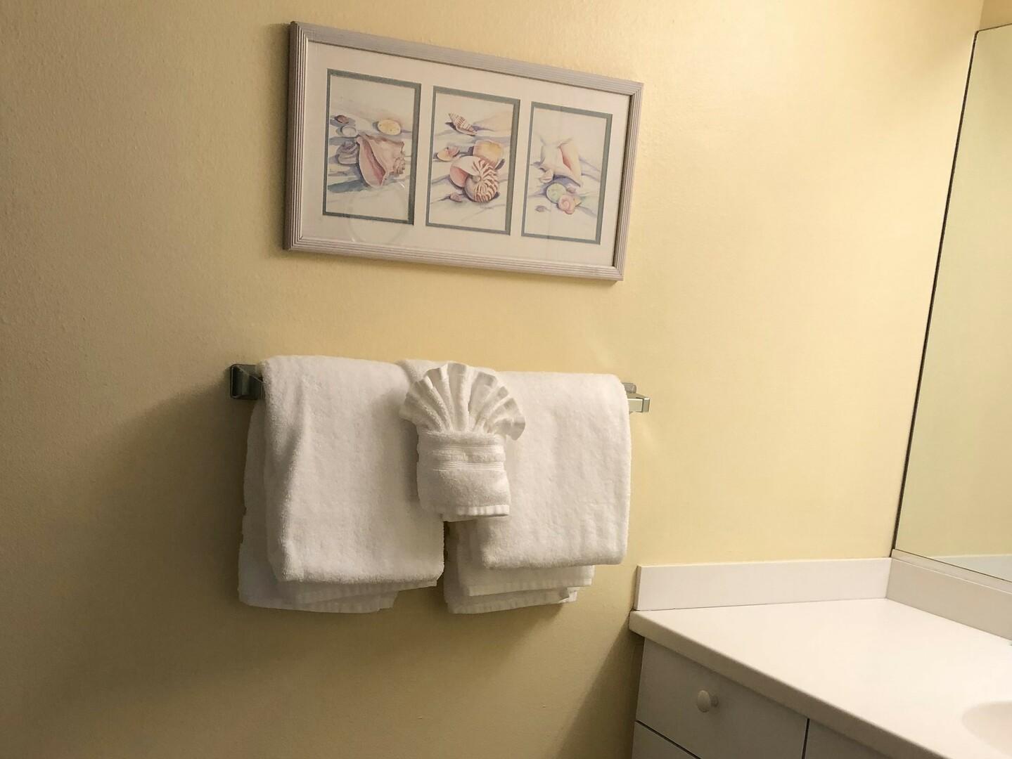 105 Tiffany Place master bathroom vanity