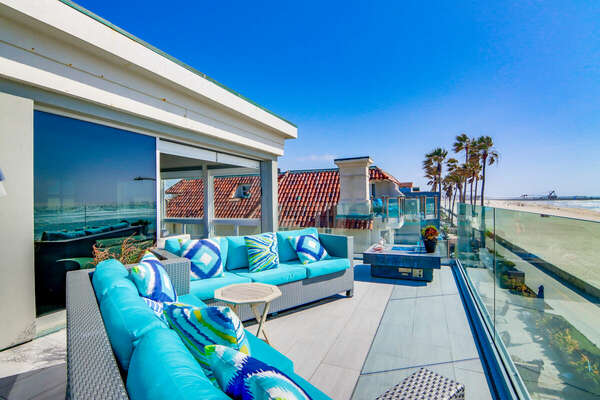 Oceanfront Deck w/ Outdoor Seating & Fire Pit