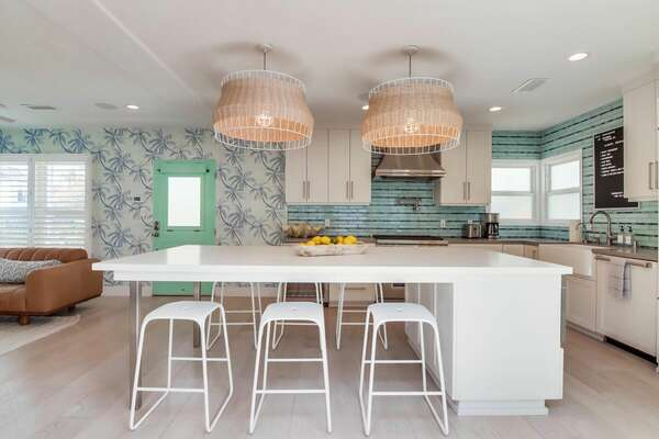 Kitchen - Island w/ Seating
