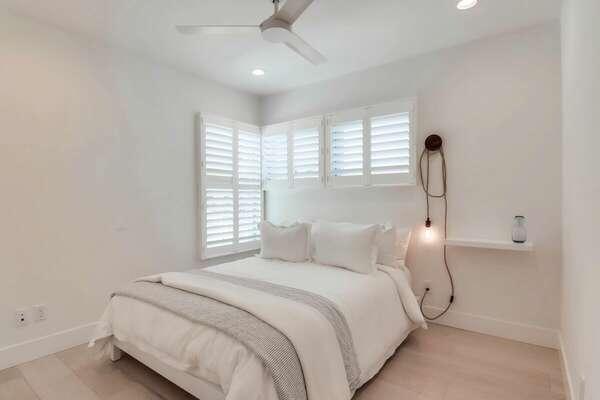 Guest Bedroom w/ Queen