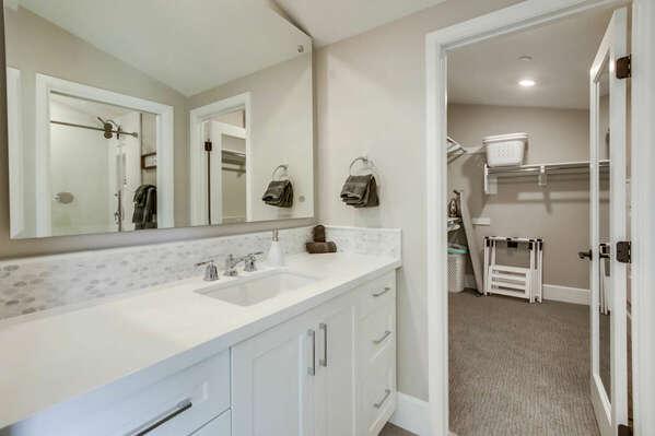 Third Floor - Master En-Suite Bathroom and Walk-in Closet