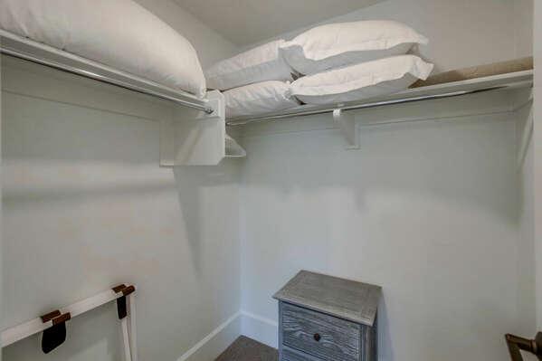 Third Floor - Guest Bedroom - Walk-In Closet