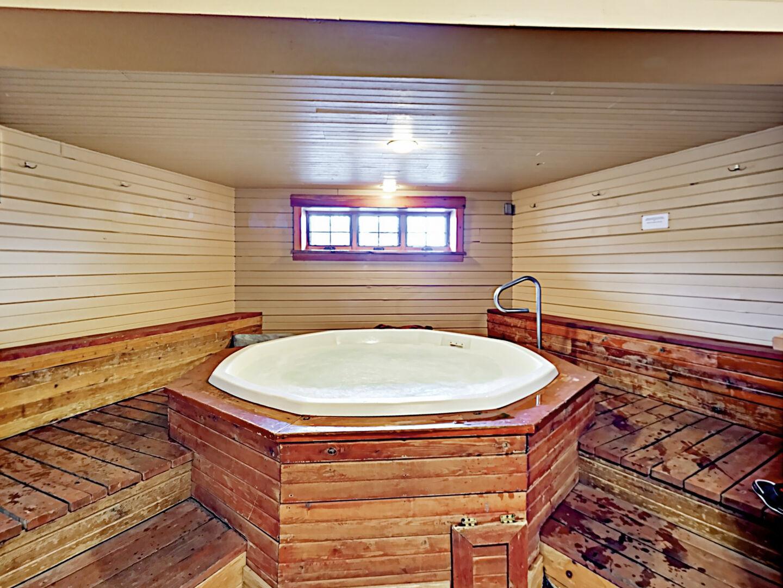 Shared hot tub and sauna!!