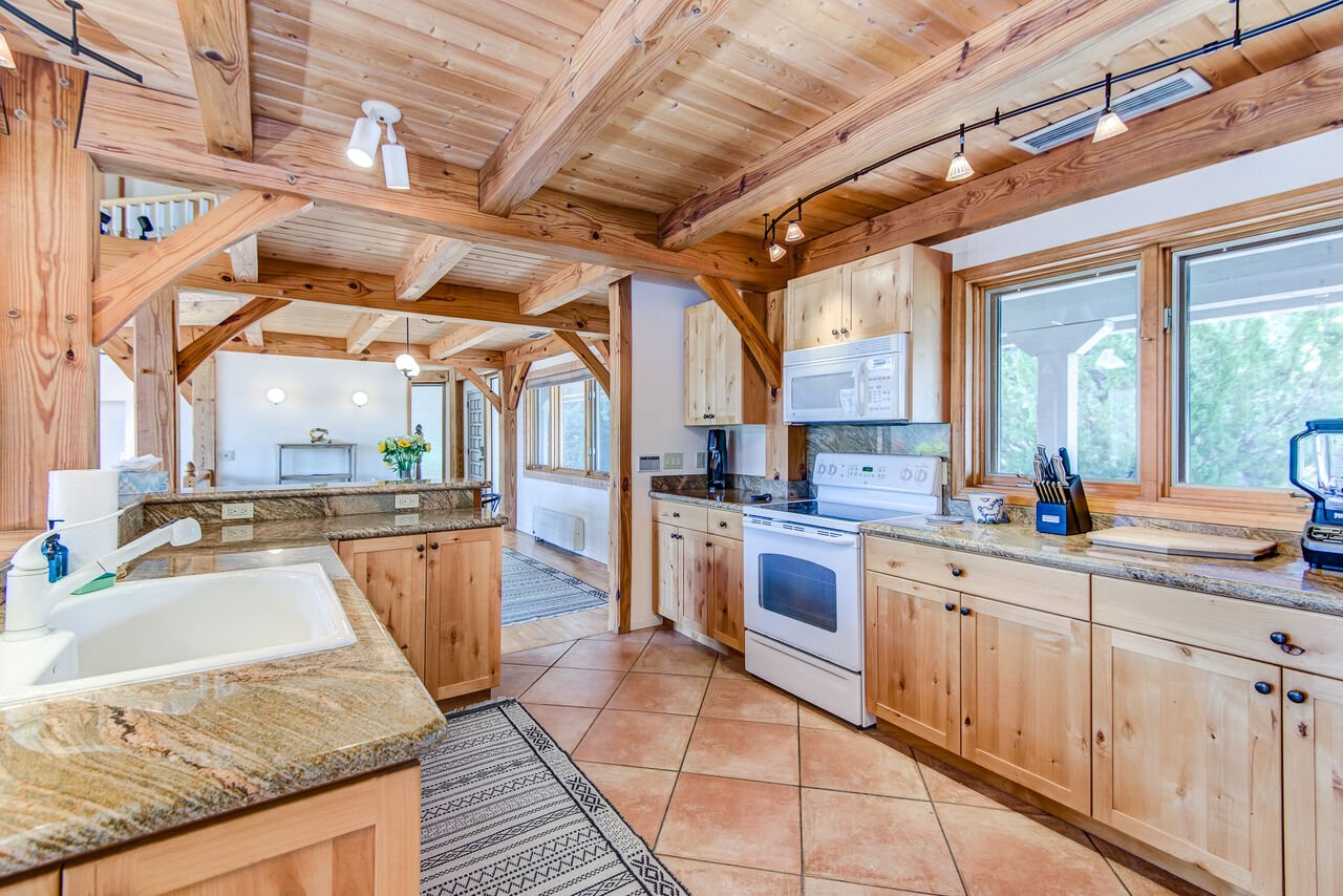Fully Equipped Expansive Kitchen