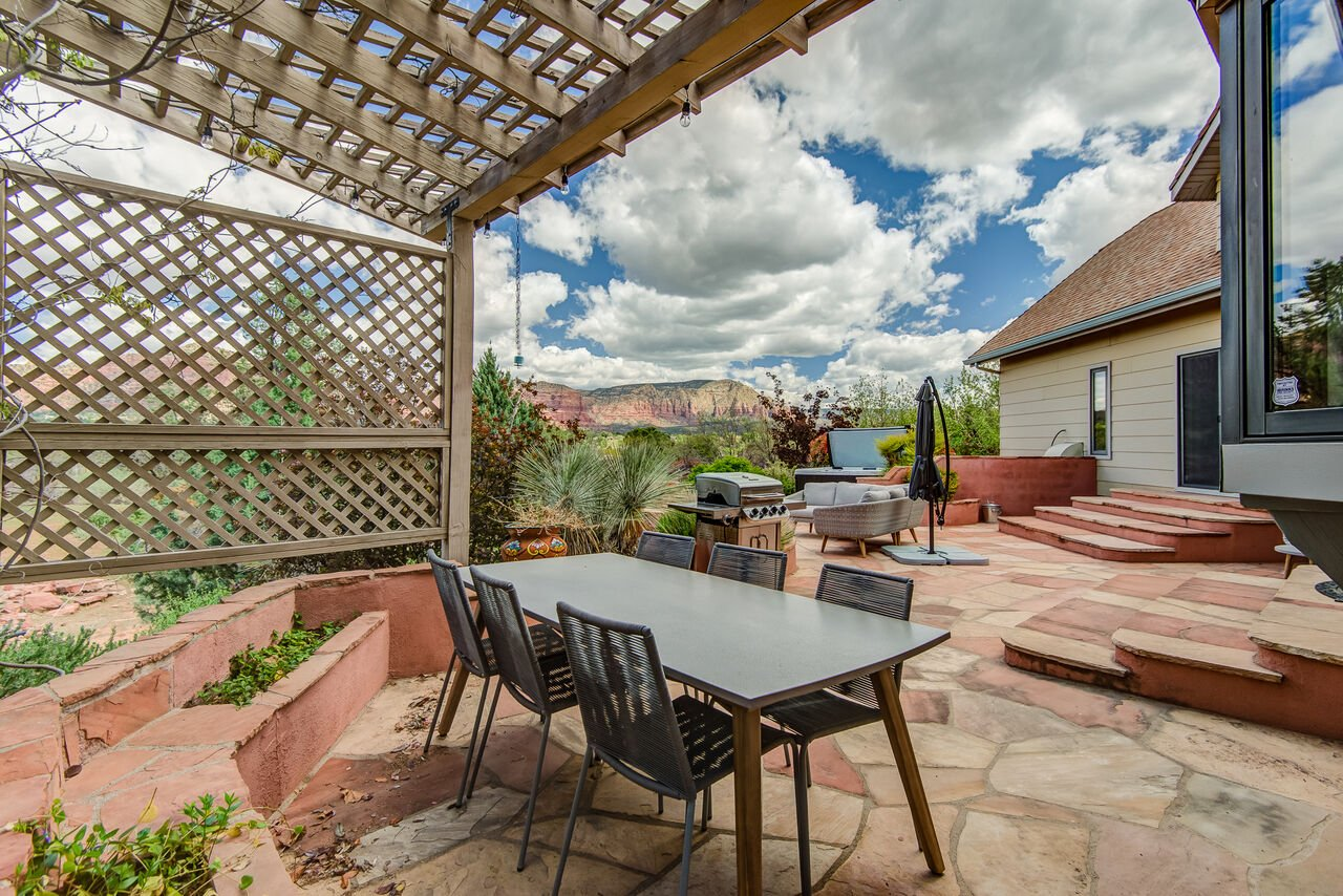 Pergola with Outdoor Dining Table