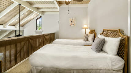 Loft bedroom 3 with twin beds