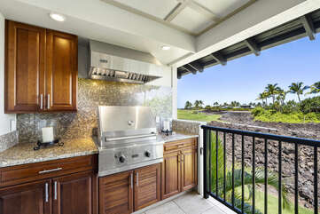 Private Lanai with Outdoor BBQ and Views of the Golf Course