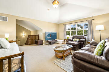 Spacious Loft with Seating for 4 and a Day Bed at Golf Villas at Mauna Lani H22