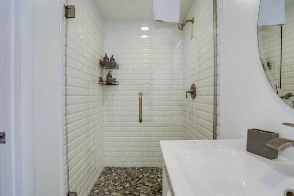 1st Floor - Master En-Suite Bathroom Shower