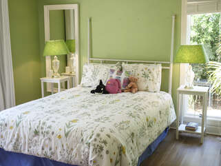 The third guest bedroom with full bed