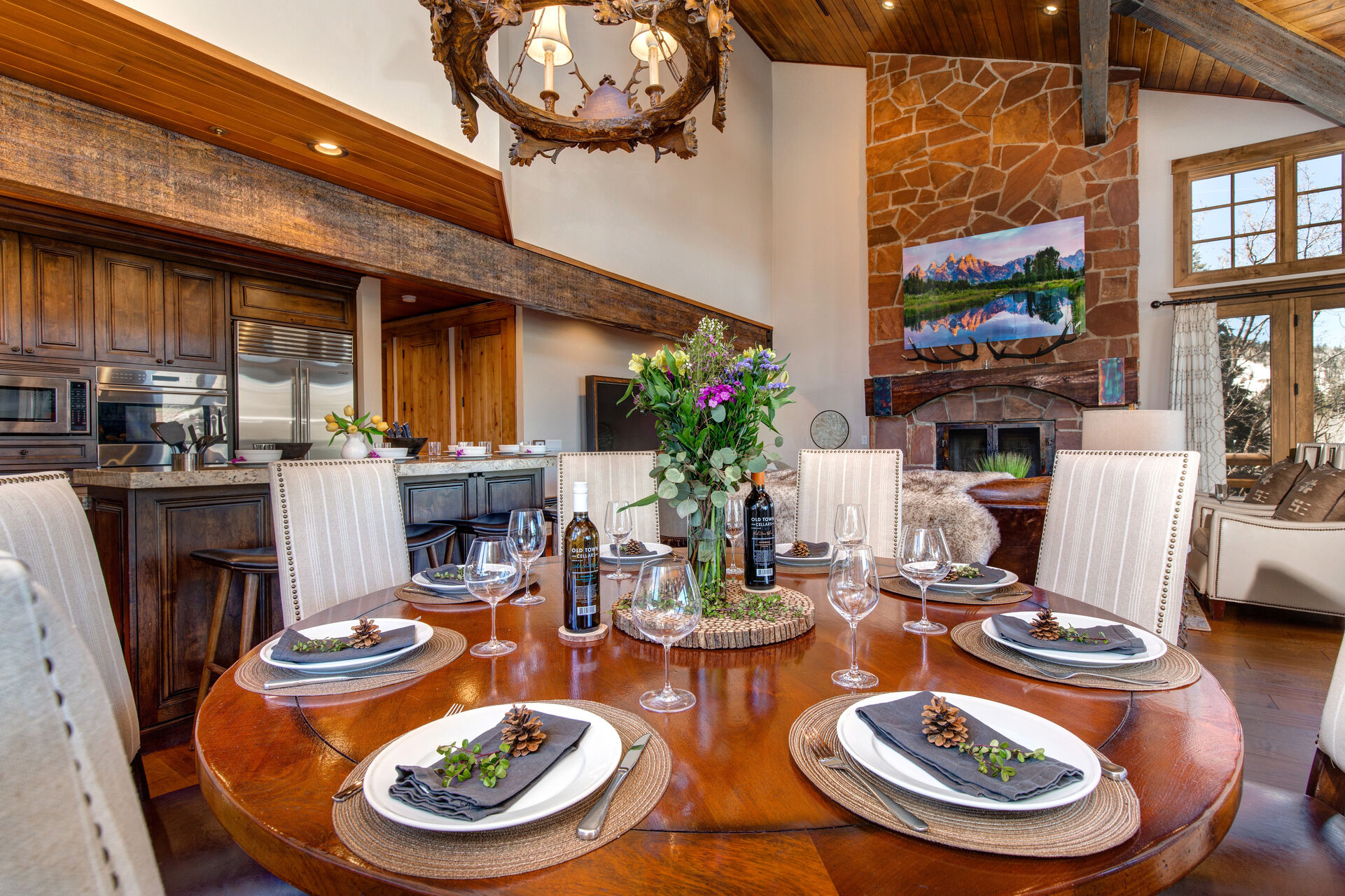 Round Table Dining for up to Ten Diners