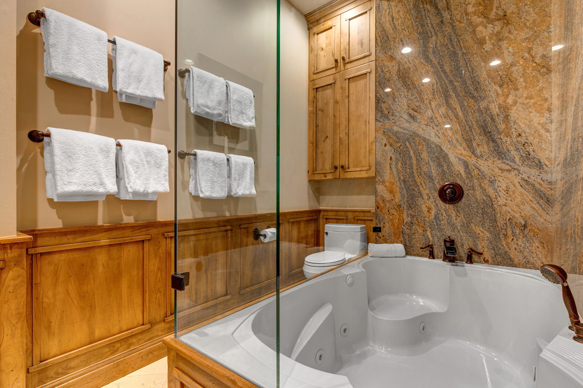 Large Jetted Tub/Shower Combo