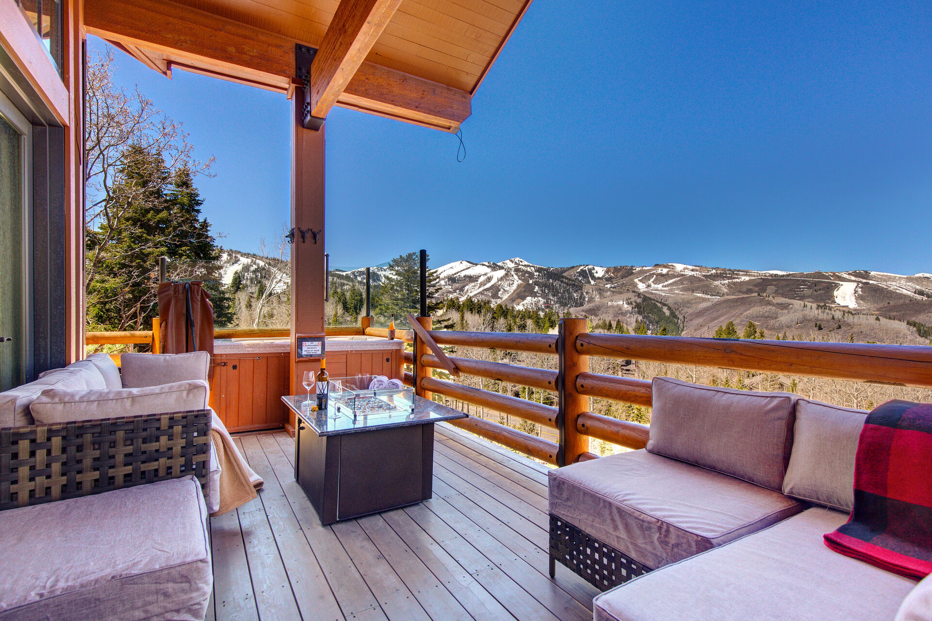 Stunning Home in an Exclusive Deer Valley Community with Amazing Views!