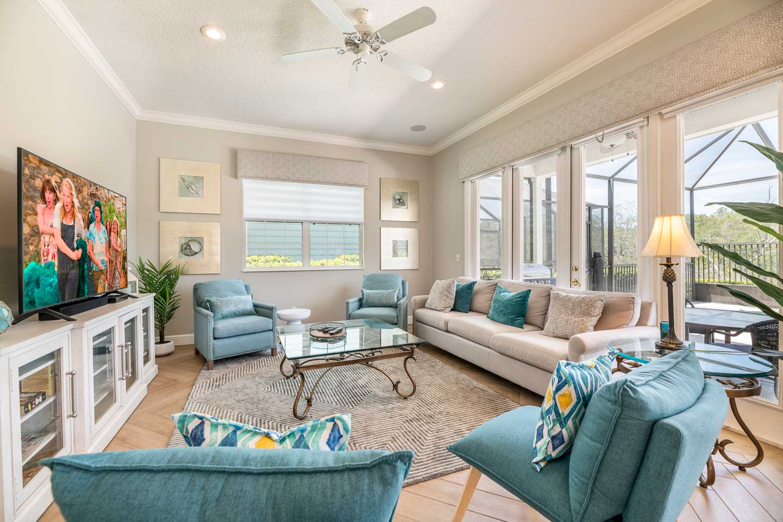 [amenities:living-room:2] Living Room