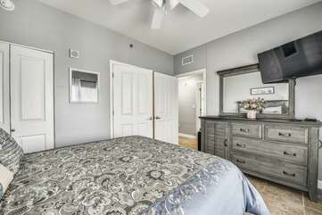 Second bedroom with Queen bed and private bathroom