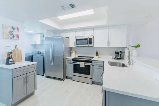 Bright and updated kitchen with everything you need!