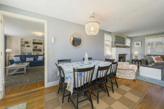 Table for seven - 7 Cutter Lane West Yarmouth Cape Cod - New England Vacation Rentals
