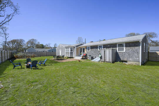 Large yard for lawn games - 7 Cutter Lane West Yarmouth Cape Cod - New England Vacation Rentals