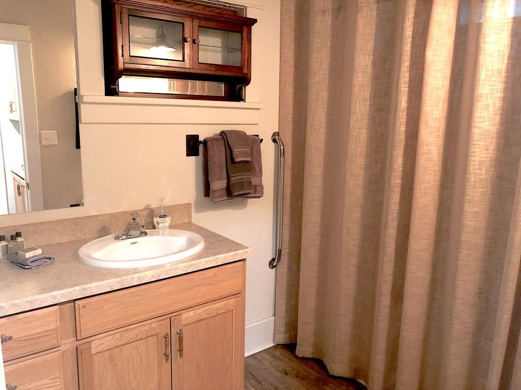 Bathroom 1 Full Bath