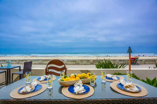 Ground Floor Oceanfront Patio - Outdoor Dining