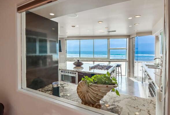 Guest Bedroom w/ Queen - Ocean Views