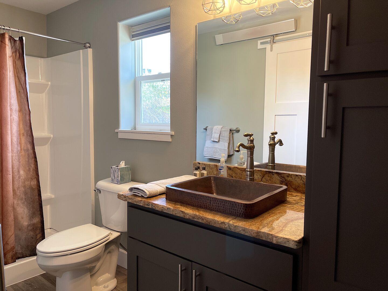 Quaint Bathroom Touches
