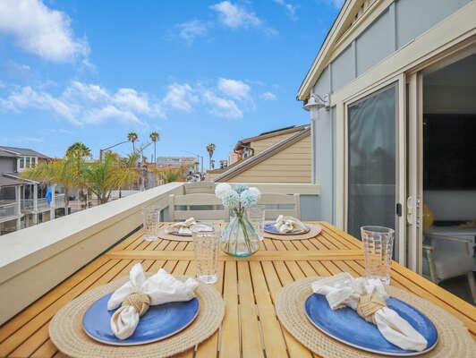 Outdoor Dining - 3rd Floor Deck