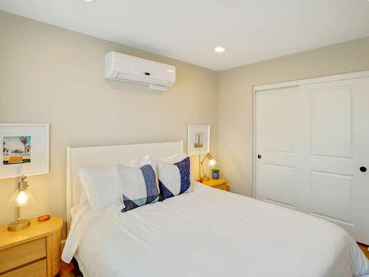 Guest Bedroom, Queen - Third Floor