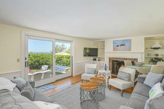 Plenty of seating in Living Room - 229 Scatteree Road Chatham Cape Cod - New England Vacation Rentals Vacation Rental