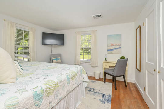 Bedroom 1 with King Bed - 229 Scatteree Road Chatham Cape Cod - New England Vacation Rentals Vacation Rental