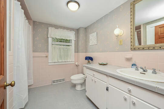 Main Floor Bathroom #1  with Tub/Shower Combo - 229 Scatteree Road Chatham Cape Cod - New England Vacation Rentals Vacation Rental