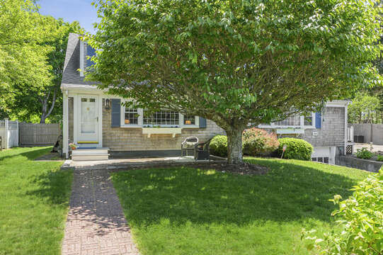 Welcome to Luna Sea-21 Pine Street- Harwichport- Cape Cod- New England Vacation Rentals