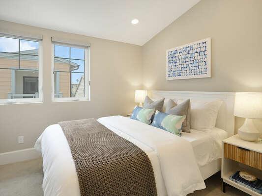 Third Floor - Guest Bedroom - Queen Bed & Walk-In Closet