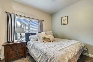 Front queen size bedroom