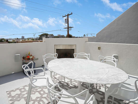 Deck Off Living Room w/ Outdoor Dining & BBQ - 3rd Floor