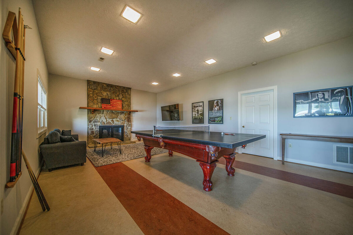 Lower Level Pool Room /Ping Pong