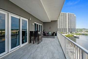 Balcony that overlooks the lake and boardwalk