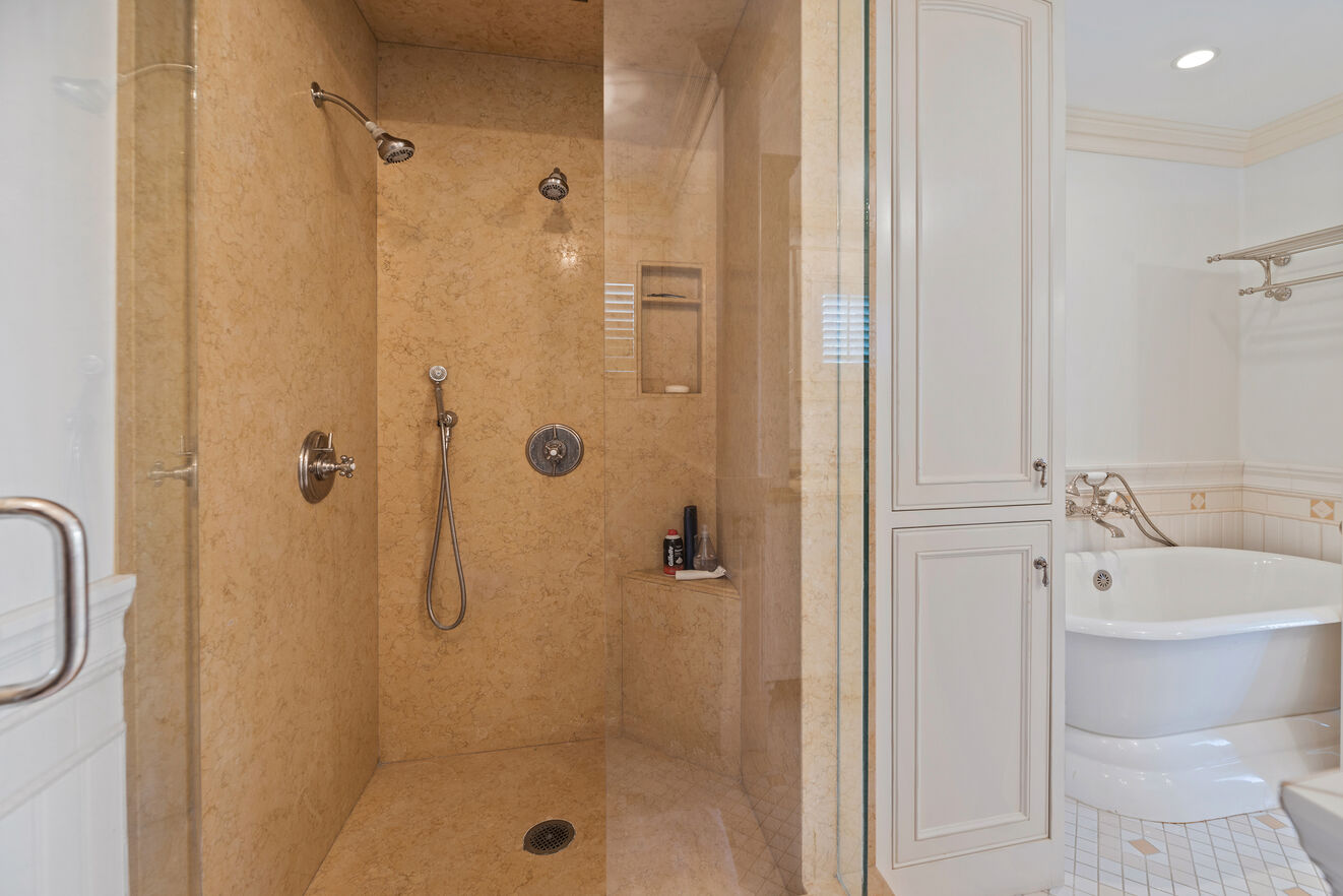 Master with shower and tub