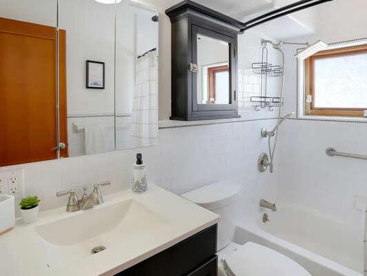 Shared Bathroom w/ Combo Tub/Shower - 2nd Floor