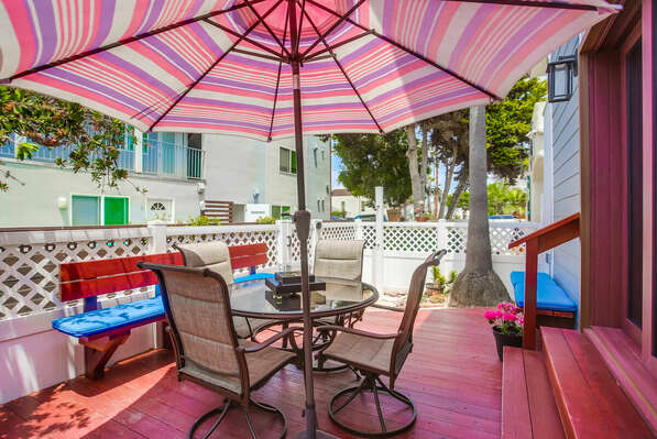 Ground Level Patio w/ BBQ, Seating & Tabletop Fire Pit
