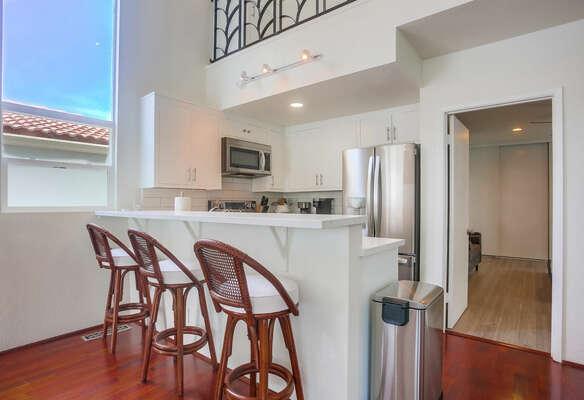 Kitchen w/ Breakfast Bar - 2nd Floor