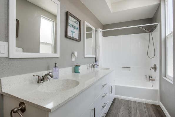 Master En-Suite Bathroom - 2nd Floor