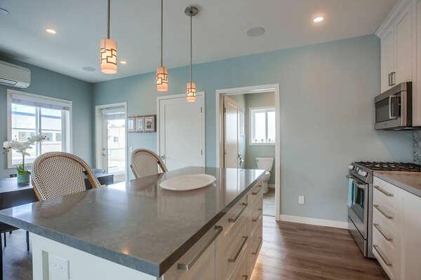 Kitchen - 2nd Level/Entry Level