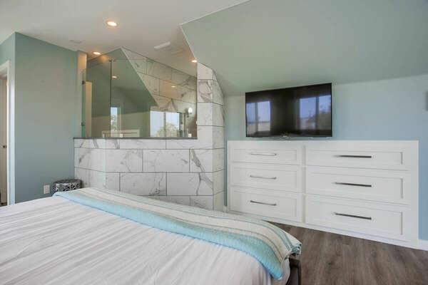 Master Bedroom Suite w/ King Bed, WFH Desk, 2 Balconies - 3rd Level