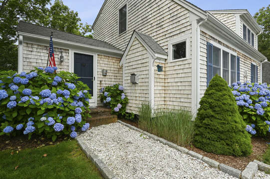 Entrance to 26 Sea Mist Lane South Chatham Cape Cod - New England Vacation Rentals