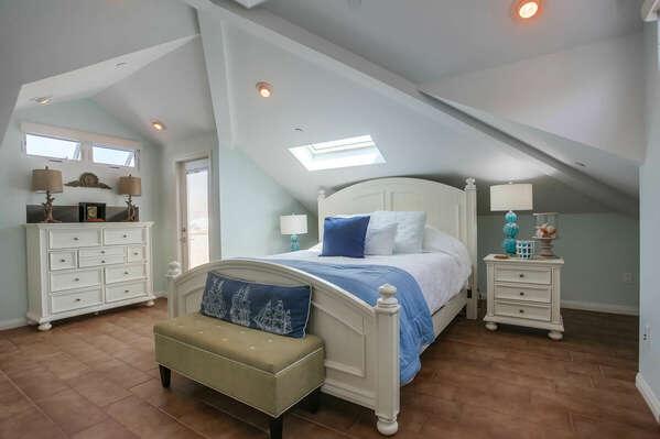 Large Master Bedroom Suite - 3rd Floor