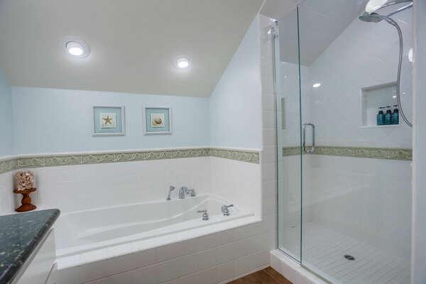 Master Bedroom En-Suite Bathroom - 3rd Floor