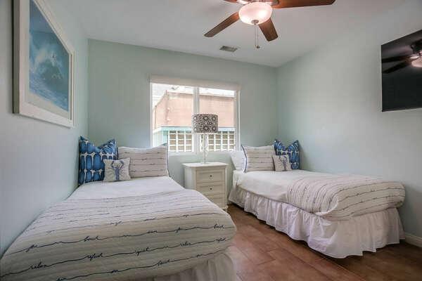 Guest Bedroom w/ 2 Twin Beds - 2nd Floor