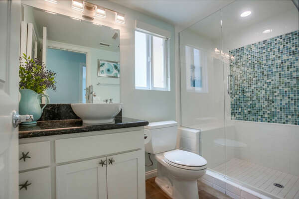 Shared Bathroom - 2nd Floor