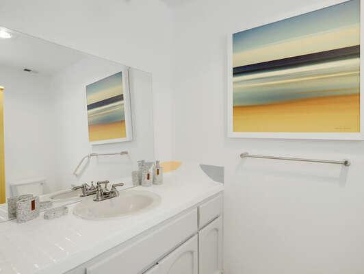 Guest En-Suite Bathroom - 2nd Floor